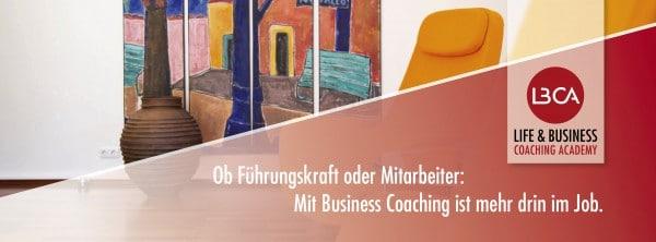 Ob Führungskraft oder Mitarbeiter: Mit Business Coaching ist mehr drin im Job. Unterstützen Sie als Coach oder mit Coaching-Skill, Menschen in ihrer beruflichen oder privaten Entwicklung. Helfen Sie Potentiale zu fördern oder neue zu entdecken. Mit den Coaching Ausbildungen an der Life & Business Coaching Academy haben Sie das Handerkszeug dazu.